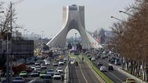 Ir al VideoIrán aumentará su producción de petróleo en 500.000 barriles diarios