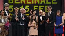 Ir al VideoLa iraní 'Taxi' gana el Oso de Oro en la Berlinale