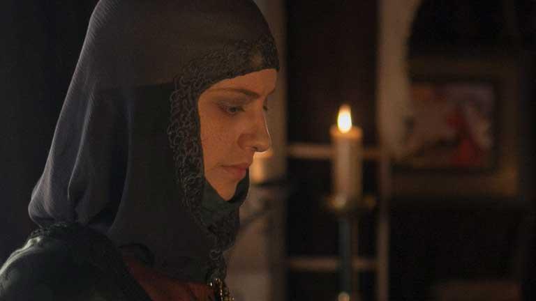 Isabel - Isabel cree que Juana está loca, pero no es tonta