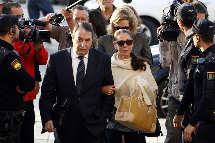 Isabel Pantoja llega al juzgado para conocer la sentencia del caso Blanqueo
