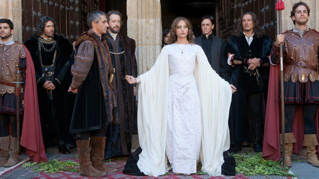 Isabel - Isabel se autoproclama Reina
