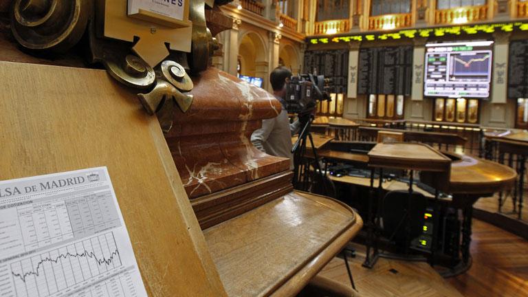 Las bolsas europeas cierran con pérdidas por la inestabilidad que sufren Italia y Grecia