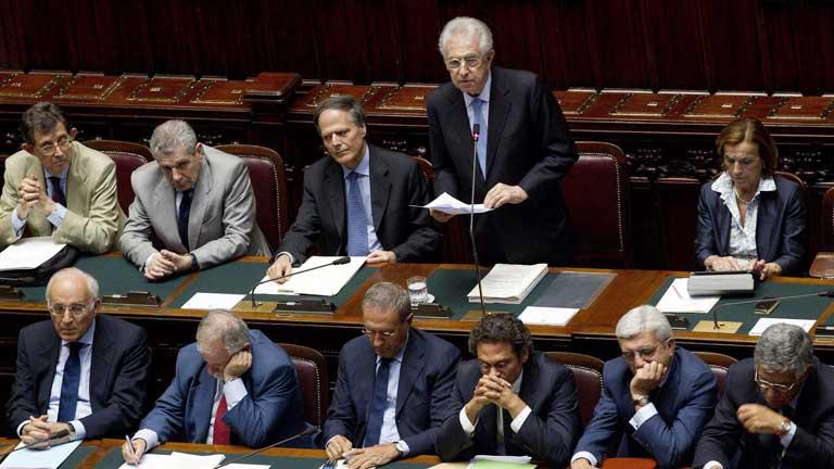 Italia eliminará uno de cada diez empleos públicos