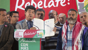 Ver vídeo  'Izquierda Unida mejora en Asturias y Andalucía'