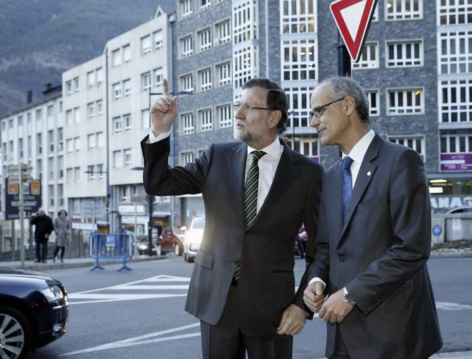 El jefe del Gobierno de Andorra, Antoni Martí, recibe al presidente del Gobierno español, Mariano Rajoy, en la primera visita oficial de un jefe del Ejecutivo español al Principado.