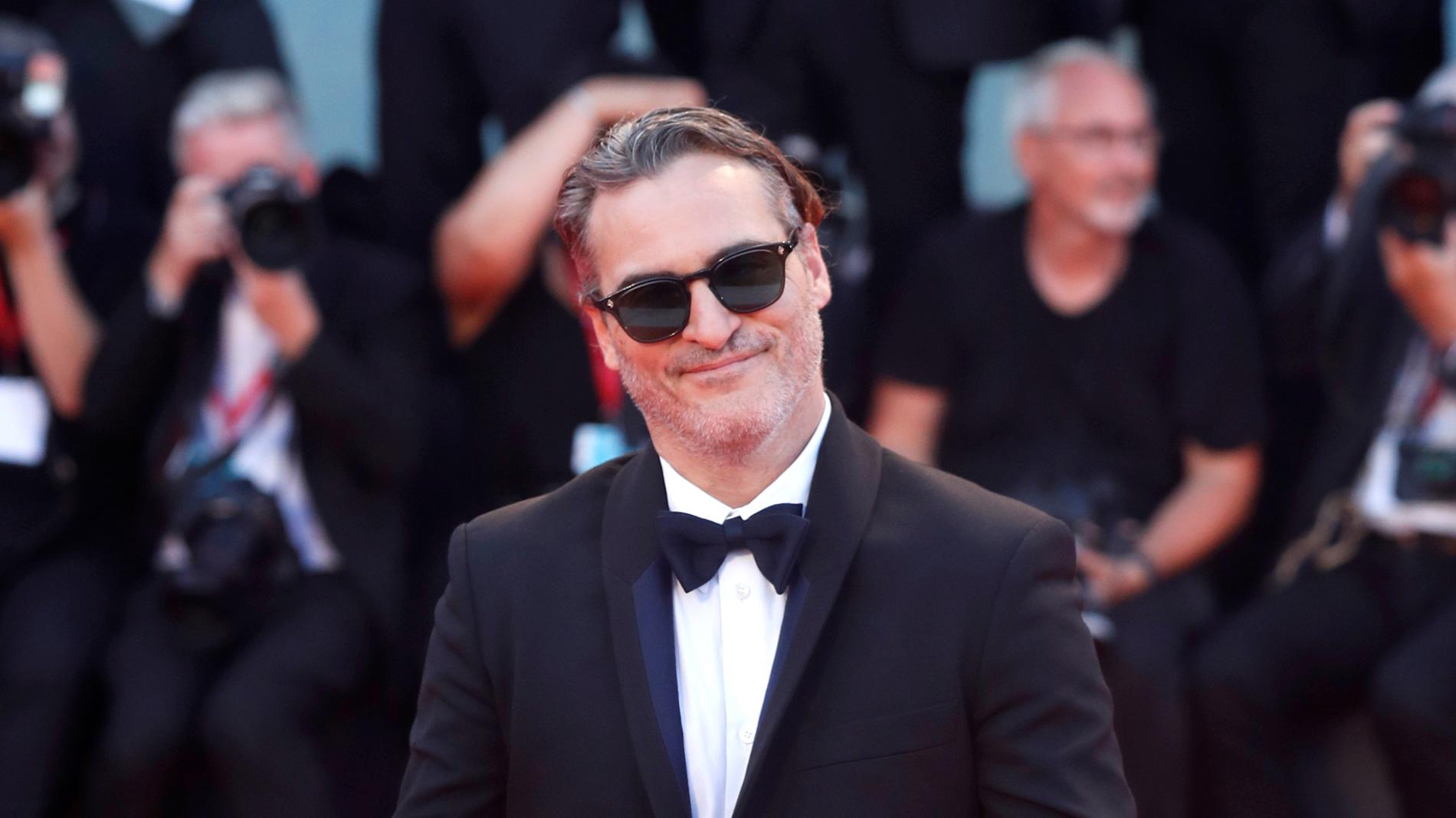 Ir al VideoEl 'Joker' de Joaquin Phoenix desata la locura en la Mostra de Venecia