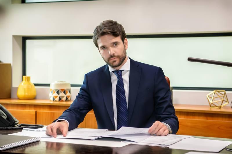 Jon Arias es Jorge Leiva
