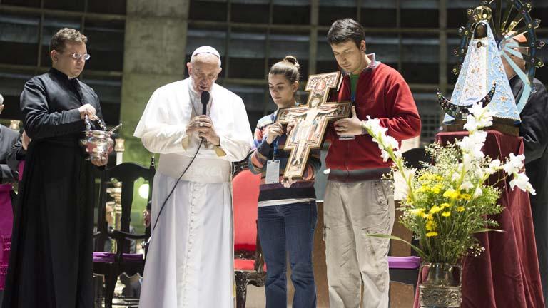 El papa celebra la misa de apertura de la Jornada Mundial de la Juventud
