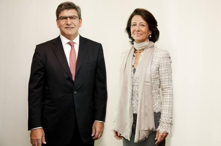 José Antonio Álvarez, nuevo consejero delegado del Santander, junto a la presidenta, Ana Botín