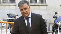 Ir al VideoJosé Antonio Viera abandona el PSOE y no entrega su acta de diputado