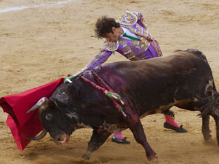 José Tomás corta una oreja en su regreso a los ruedos en Valencia
