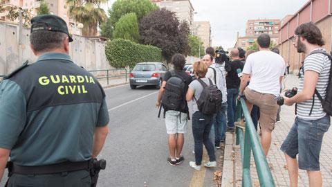 Ir al VideoJuana Rivas ha entregado a sus dos hijos este lunes en el cuartel de la Guardia Civil de Granada