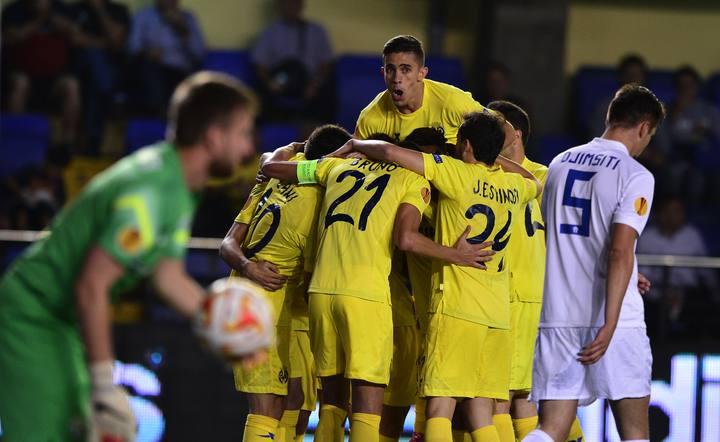 Los jugadores del Villarreal celebran un gol ante el Zúrich