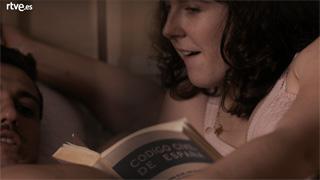 La sonata del silencio - Julita y Dioni 'repasan' el Código Civil en casa de doña Celia
