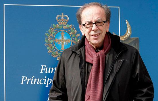 Ismail Kadaré llega a  Oviedo para recibir el Premio Príncipe de Asturias de las Letras