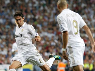 Kaká resurge ante el Ajax