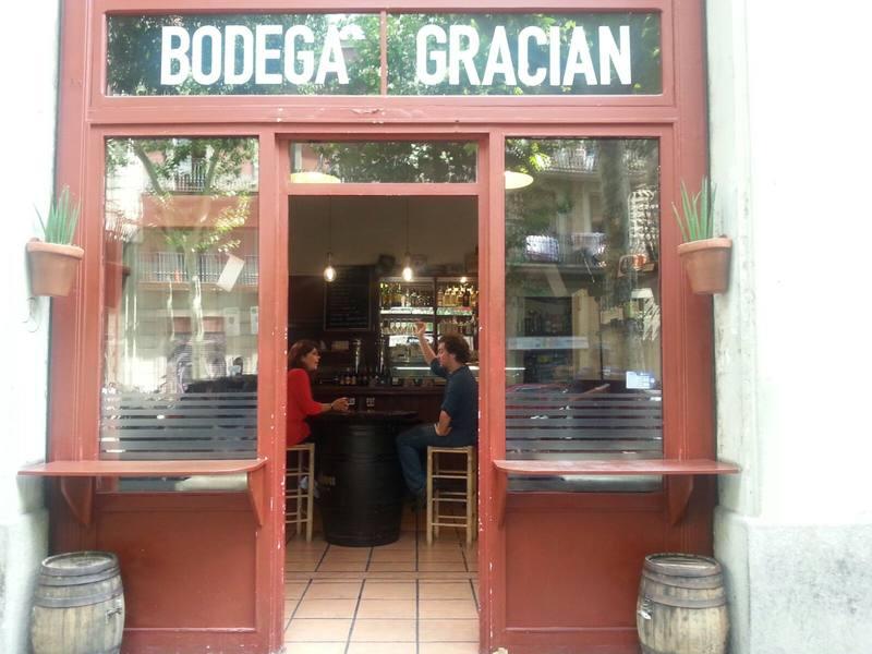 A l'acollidora Bodegueta Gracián, al carrer de Rocafort, entrevistem a l'actor Pol López