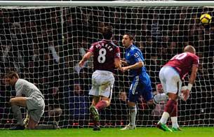 Lampard, tres versiones de un penalti