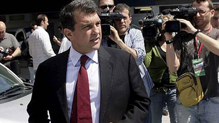 Laporta vuelve a arremeter contra la directiva del Barça