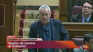 Lara reprocha a Rajoy los ajustes y el presidente del Gobierno responde que pronto habrá crecimiento