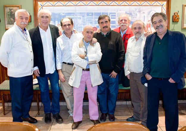 Laureano González, Manuel Ovalle, Carlos León, Mikel Arregui, Evaristo Canete, Paco Custodio, Andrés Menéndez y José Manuel Maellas. Parte de los reporteros gráficos protagonistas de 'El Ojo en la noticia' en octubre de 2014.