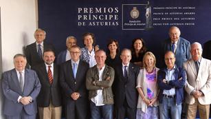Ver vídeo  'Lectura del fallo del Premio Príncipe de Asturias de las Letras 2012'