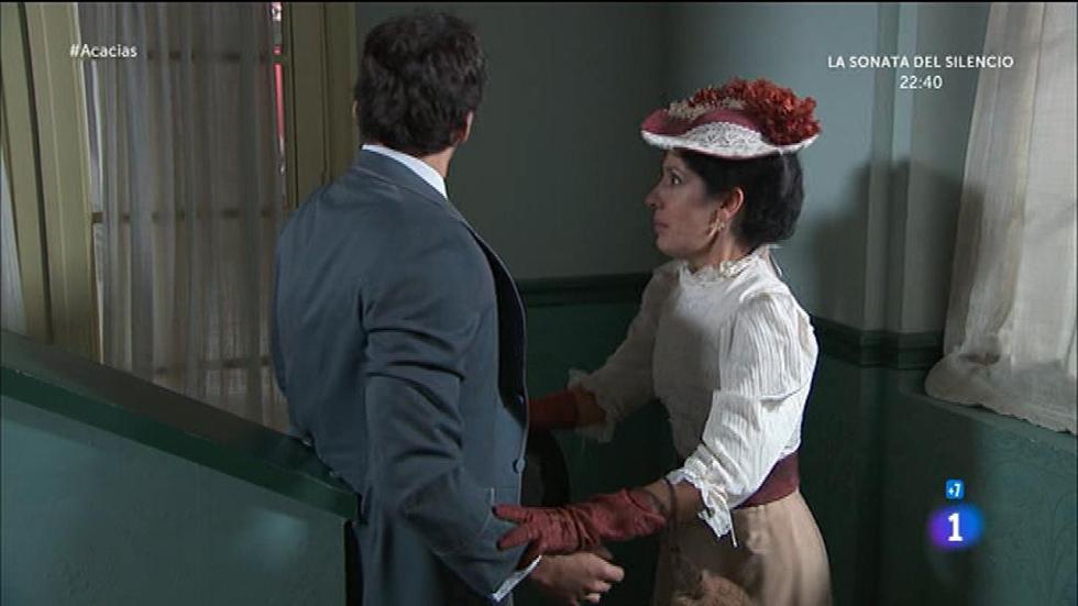 Acacias 38 - Leonor casi pilla a su madre y Liberto dando rienda suelta a su amor