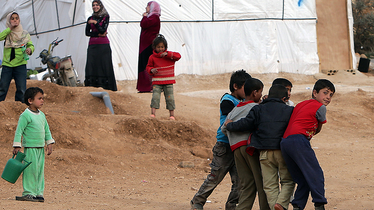 Líbano se convierte en un abarrotado campo de refugiados con millón de sirios, según ACNUR
