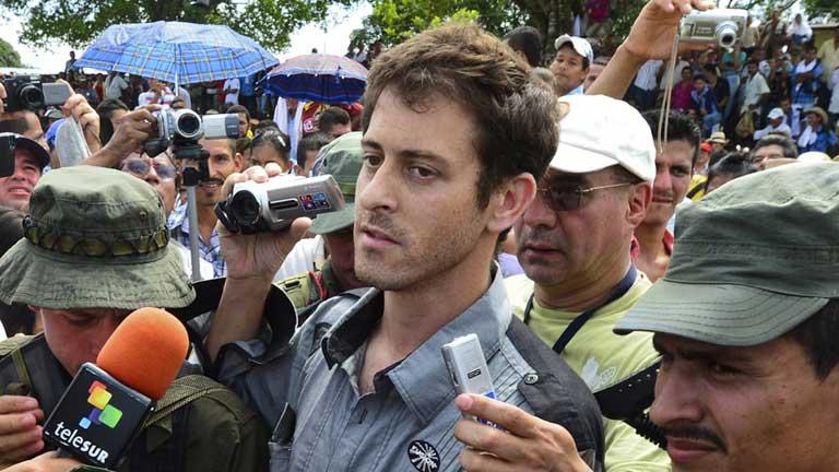 Las FARC liberan al periodista francés Romeo Langlois