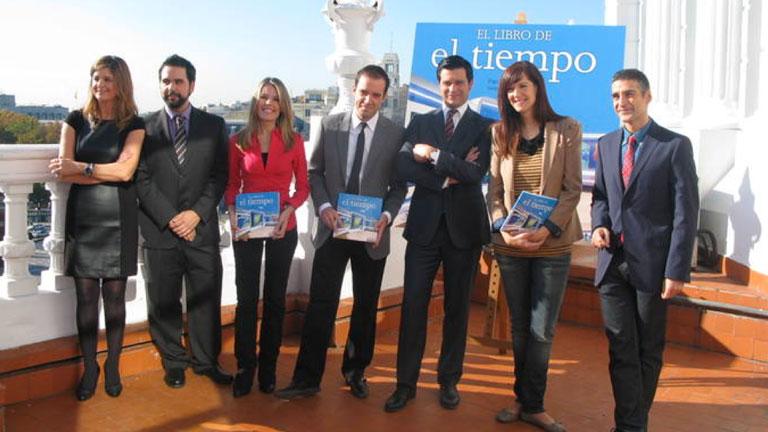 """El equipo de meteorología de Televisión Española presenta """"El libro de El tiempo"""""""