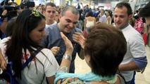 Ir al VideoLlegada a España el padre Toño, después de parmanecer 37 días en una cárcel de El Salvador