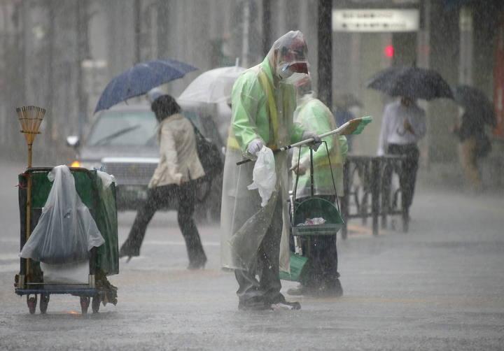 Lluvia en Tokio el 6 de octubre durante el paso del tifón Phanfone