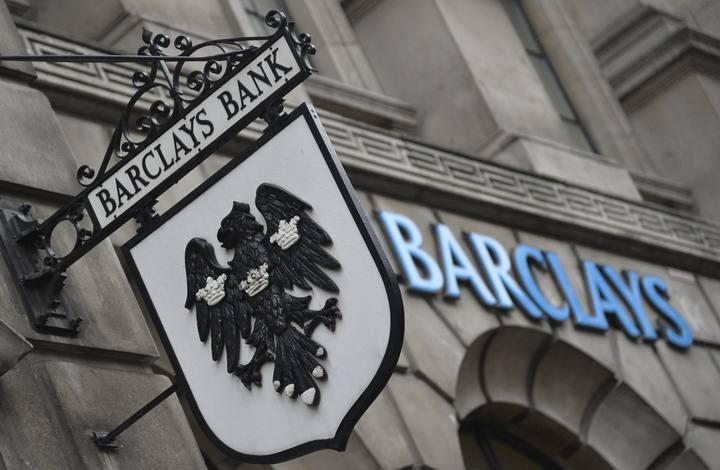 El logo de Barclays en una sucursal de la la entidad en Londres