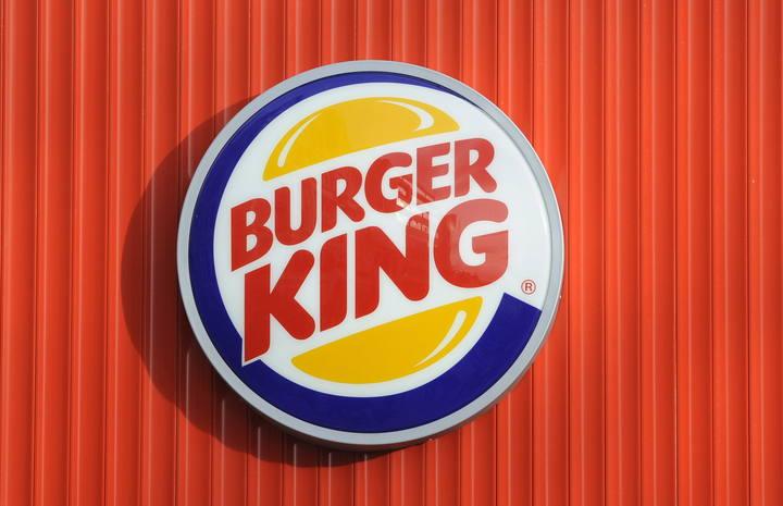 El logo de Burger King en uno de los restaurantes de la cadena en Londres
