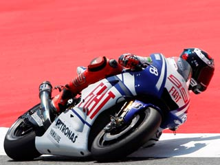 Lorenzo sigue dominando