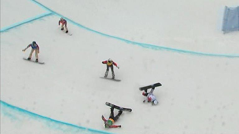 Lucas Eguibar se cae en la semifinal de snowboard boardercross