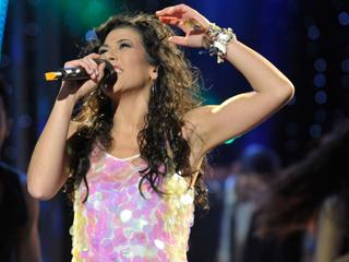 """Destino Eurovisión - Lucía Pérez canta """"Que me quiten lo bailao"""""""