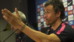 """Luis Enrique cree que Piqué hace """"todo lo que puede"""" para ser titular"""