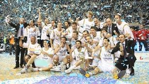El Madrid gana su 23ª Copa de baloncesto frente al Barça