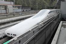 El Maglev llegando a la estación tras finalizar la prueba.