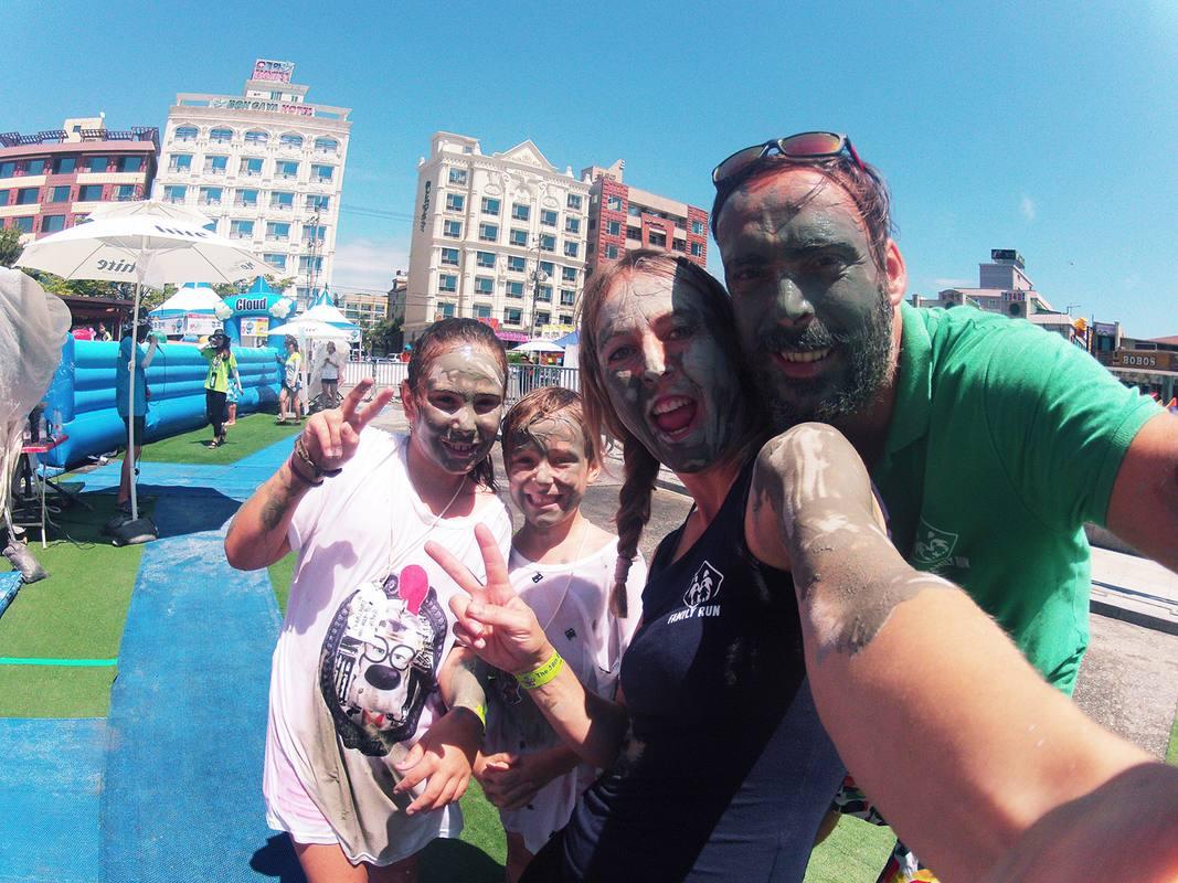 Los makuteros se llenarán de barro en el Mud Festival de Daecheon