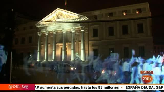 Ir al VideoManifestación de hologramas en Madrid contra la Ley de Seguridad Ciudadana