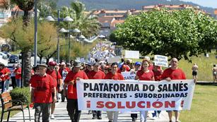 Más de cinco mil afectados por las participaciones preferentes en Galicia se han manifestado hoy en Sanxenxo