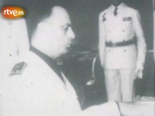 Manuel Fraga: trayectoria política y personal hasta 1977. Jura cargo como ministro de Información