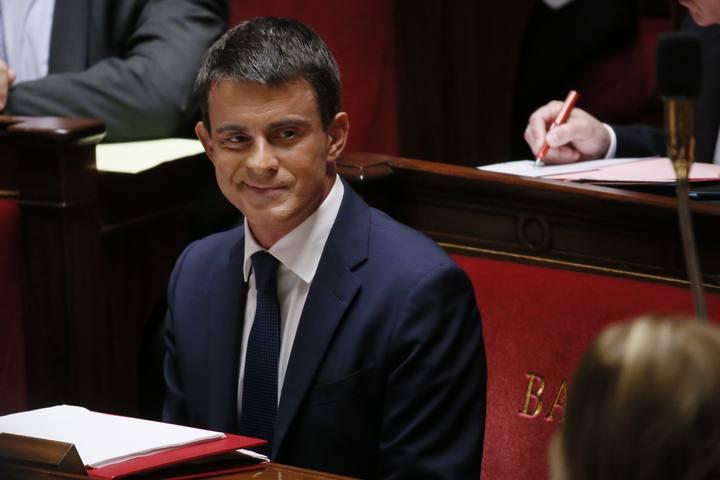 Manuel Valls antes de someterse a la moción de confianza