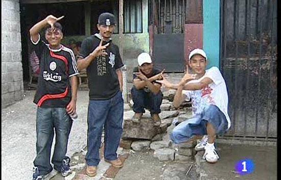 """Cerca de 20.000 jóvenes en El Salvador son miembros de alguna """"mara""""."""