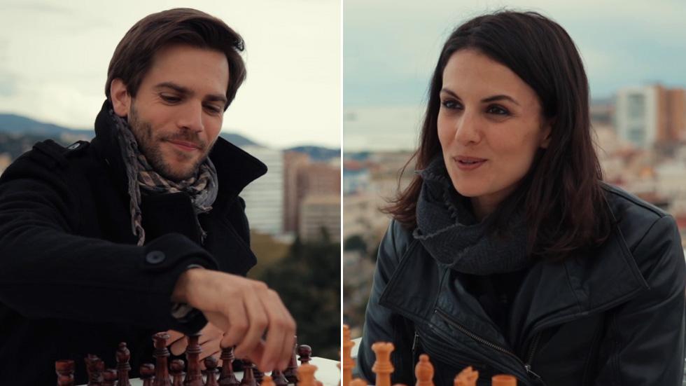 Marc Clotet y Melina Matthews: la partida de los protagonistas de 'El jugador de ajedrez'