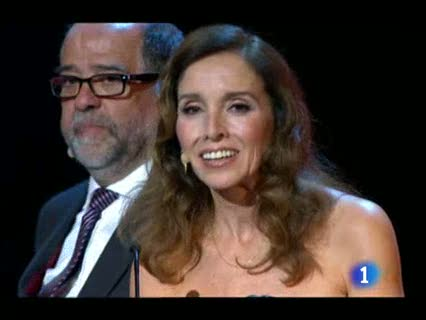 Ver vídeo  'Mario Camus recibe el Goya de Honor y rinde homenaje al oficio del cine'