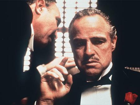 Marlon Brando caracterizado como Vito Corleone en 'El Padrino' (1971), el mayor éxito comercial de la carrera de Francis Ford Coppola.