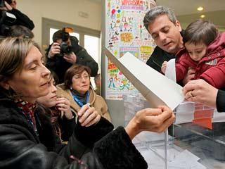 Ver vídeo  'Más de 5 millones de catalanes, llamados a votar'